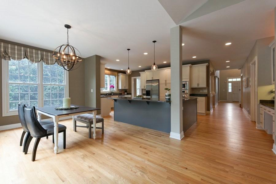 Real Estate Photography - 1471 Kittyhawk Ln, Glenview, IL, 60026 - Kitchen w/ Breakfast Area