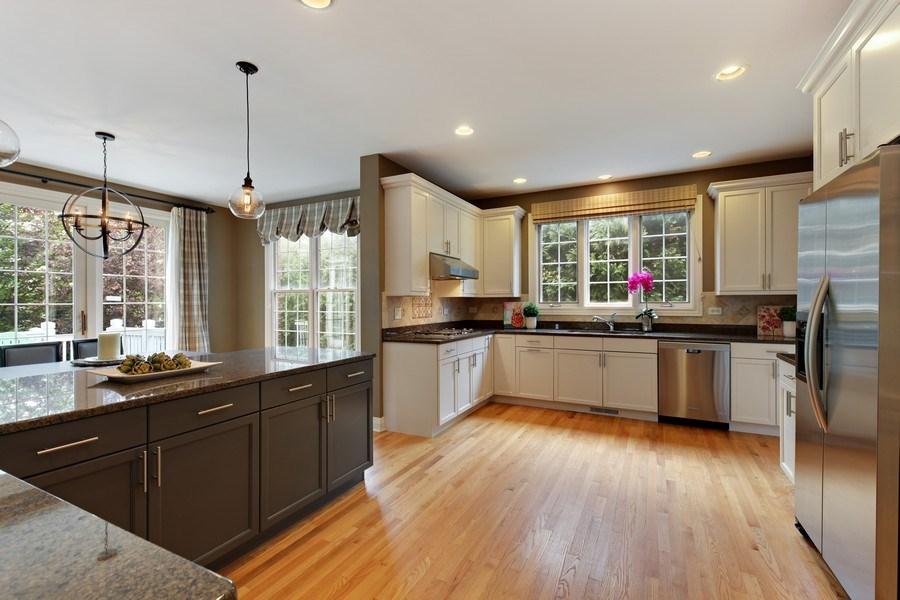 Real Estate Photography - 1471 Kittyhawk Ln, Glenview, IL, 60026 - Kitchen