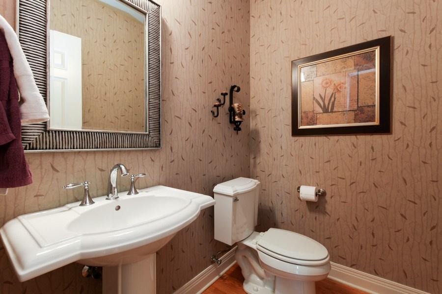 Real Estate Photography - 1471 Kittyhawk Ln, Glenview, IL, 60026 - Half Bath