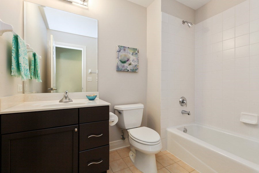 Real Estate Photography - 1471 Kittyhawk Ln, Glenview, IL, 60026 - Bathroom