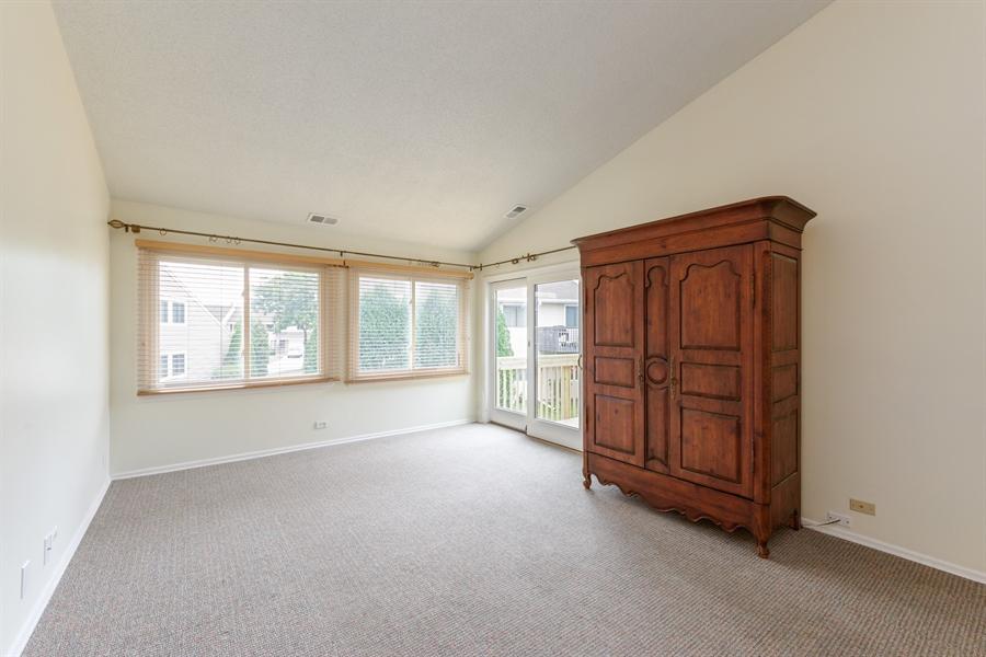 Real Estate Photography - 224 Winding Oak Ln, Buffalo Grove, IL, 60089 - Living Room