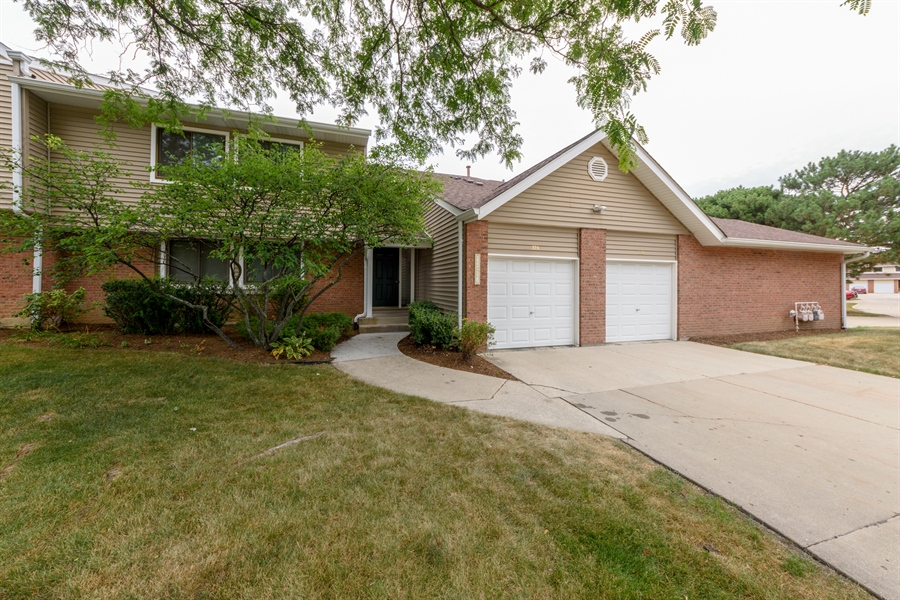 Real Estate Photography - 224 Winding Oak Ln, Buffalo Grove, IL, 60089 - Front View
