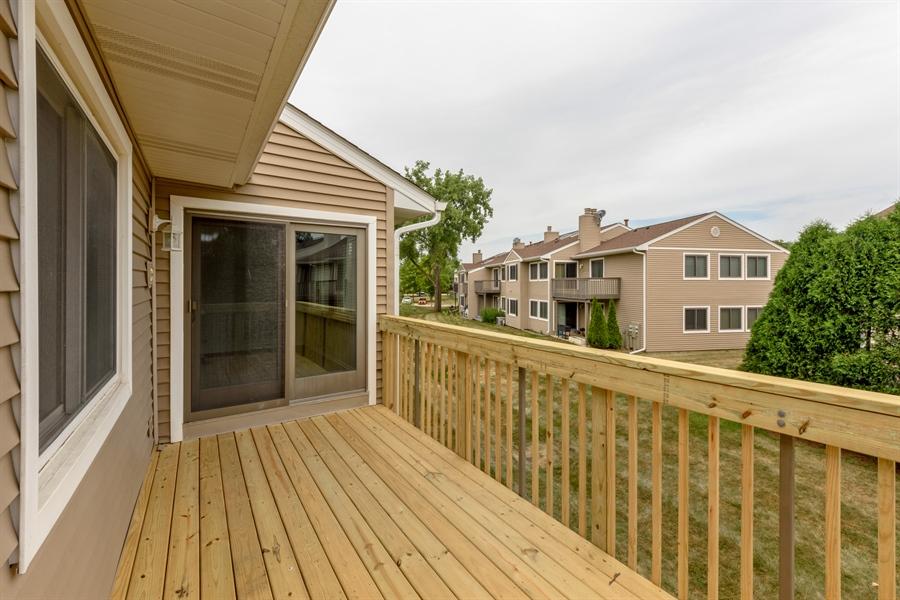 Real Estate Photography - 224 Winding Oak Ln, Buffalo Grove, IL, 60089 - Deck