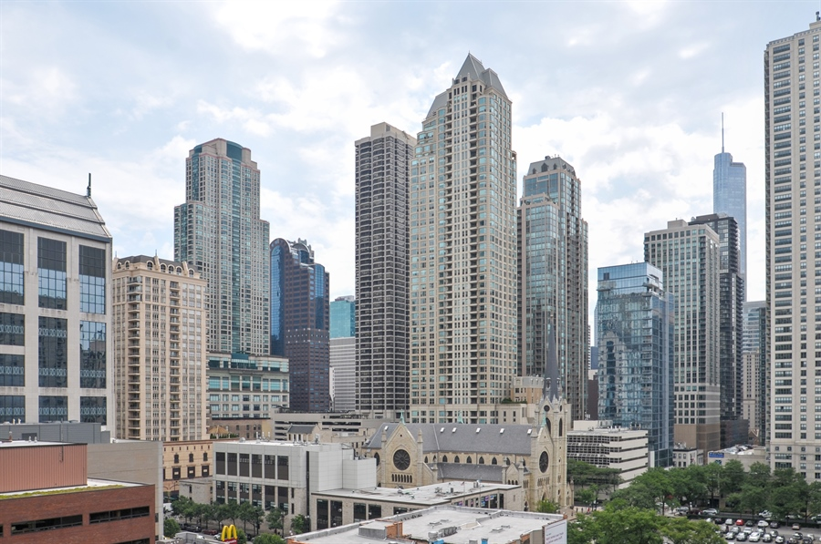 Real Estate Photography - 21 W Chestnut Street, unit 1102, Chicago, IL, 60610 - View
