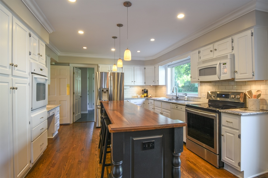 Real Estate Photography - 544 Rob Roy Court, Inverness, IL, 60067 - Kitchen