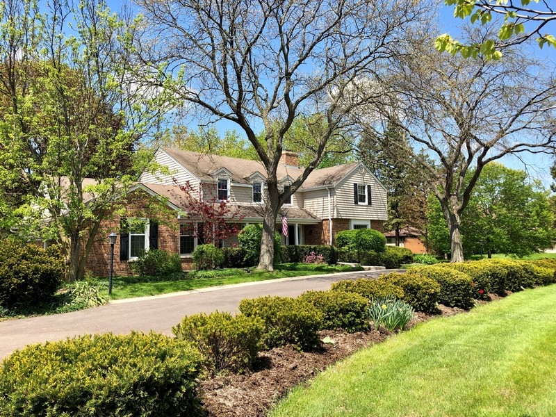 Real Estate Photography - 544 Rob Roy Court, Inverness, IL, 60067 - Front Exterior