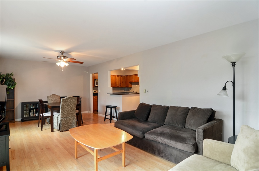 Real Estate Photography - 1510 Greenleaf, 2A, Chicago, IL, 60626 - Living Room / Dining Room