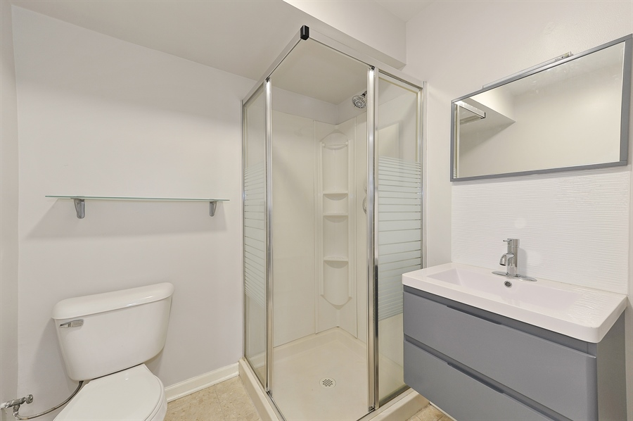 Real Estate Photography - 2334 W. McLean, Chicago, IL, 60647 - Third Bath