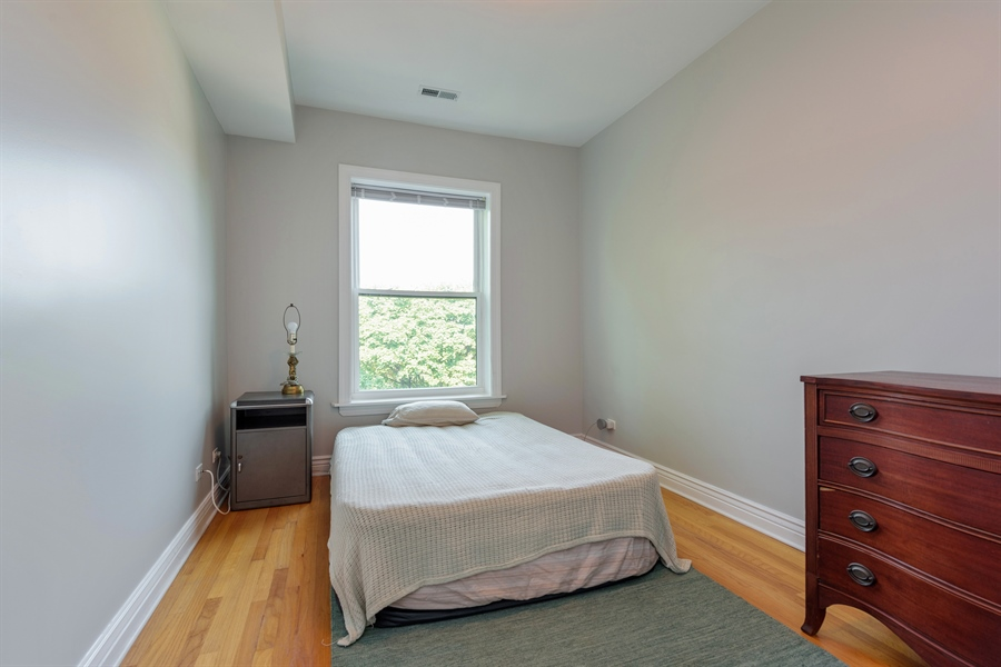 Real Estate Photography - 7021 N. Greenview, 3S, Chicago, IL, 60626 - 2nd Bedroom
