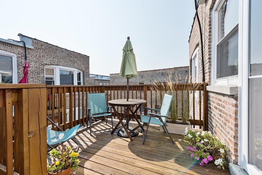 Real Estate Photography - 7021 N. Greenview, 3S, Chicago, IL, 60626 - Deck