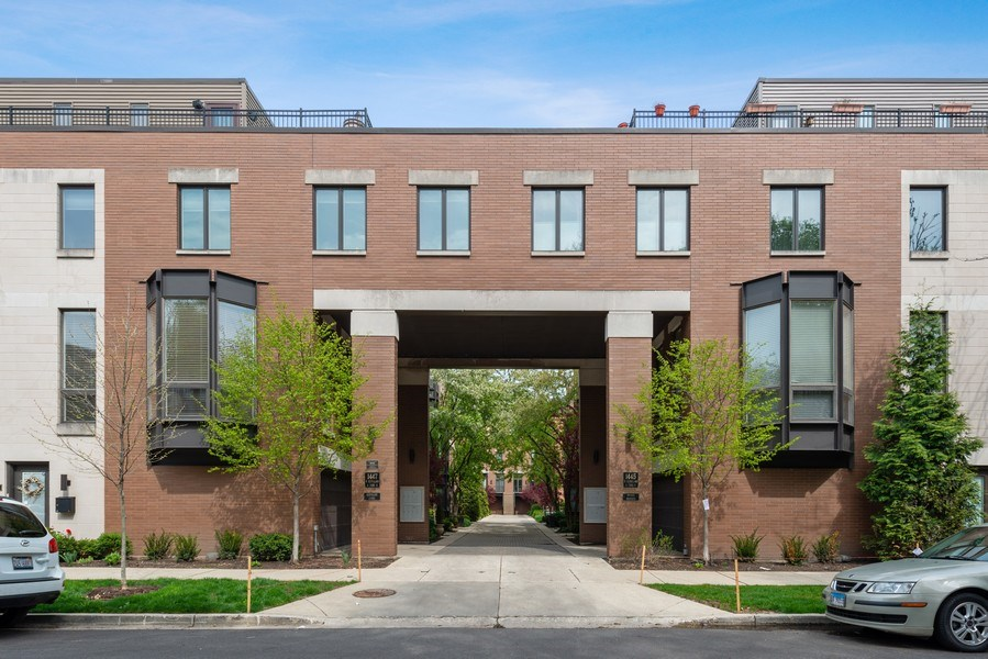 Real Estate Photography - 1445 N Cleveland, Unit A, Chicago, IL, 60610 - Front View