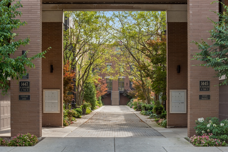Real Estate Photography - 1445 N Cleveland, Unit A, Chicago, IL, 60610 - Entrance
