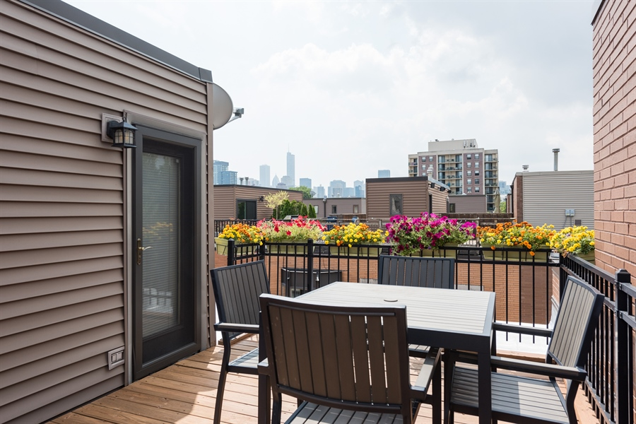 Real Estate Photography - 1445 N Cleveland, Unit A, Chicago, IL, 60610 - Deck