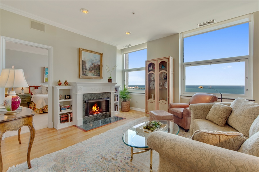 Real Estate Photography - 330 S Michigan Ave, Unit 1906, Chicago, IL, 60604 - Living Room