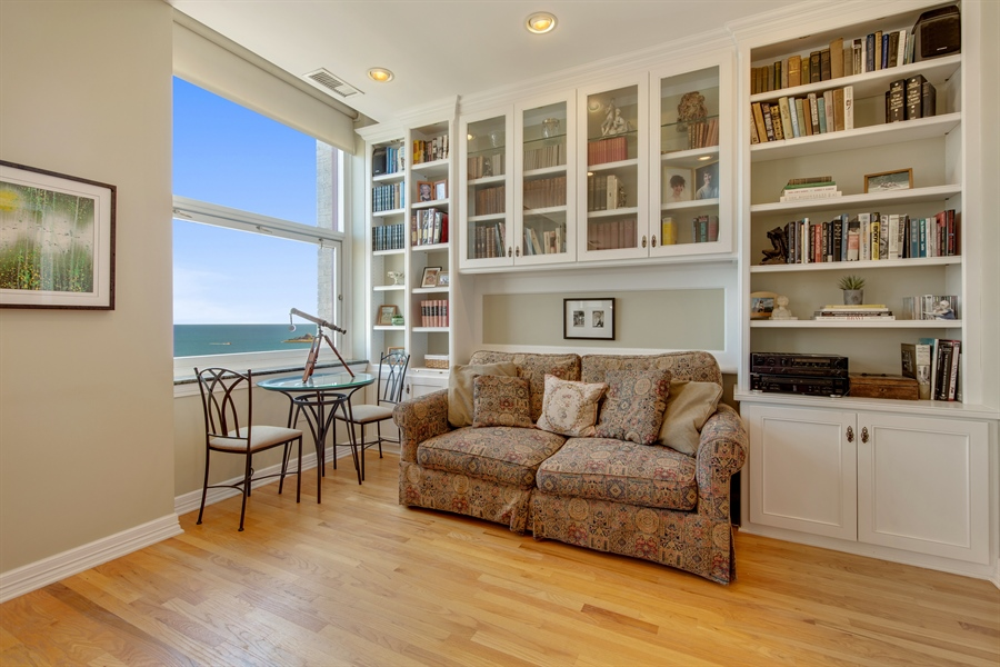 Real Estate Photography - 330 S Michigan Ave, Unit 1906, Chicago, IL, 60604 - 2nd Bedroom/ Den