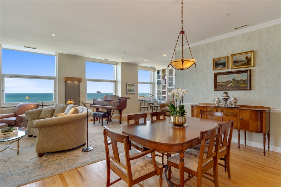 Real Estate Photography - 330 S Michigan Ave, Unit 1906, Chicago, IL, 60604 - Dining Area