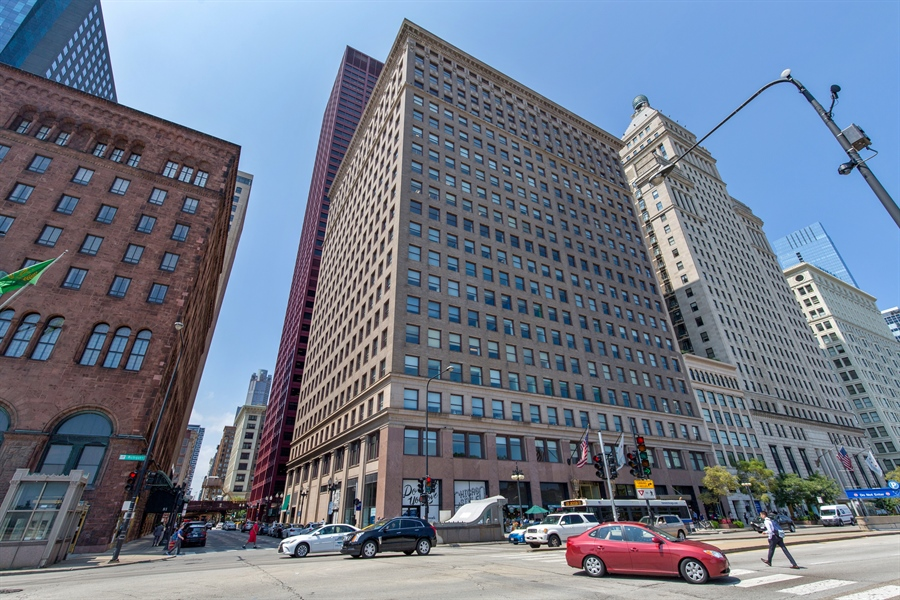 Real Estate Photography - 330 S Michigan Ave, Unit 1906, Chicago, IL, 60604 - Front View