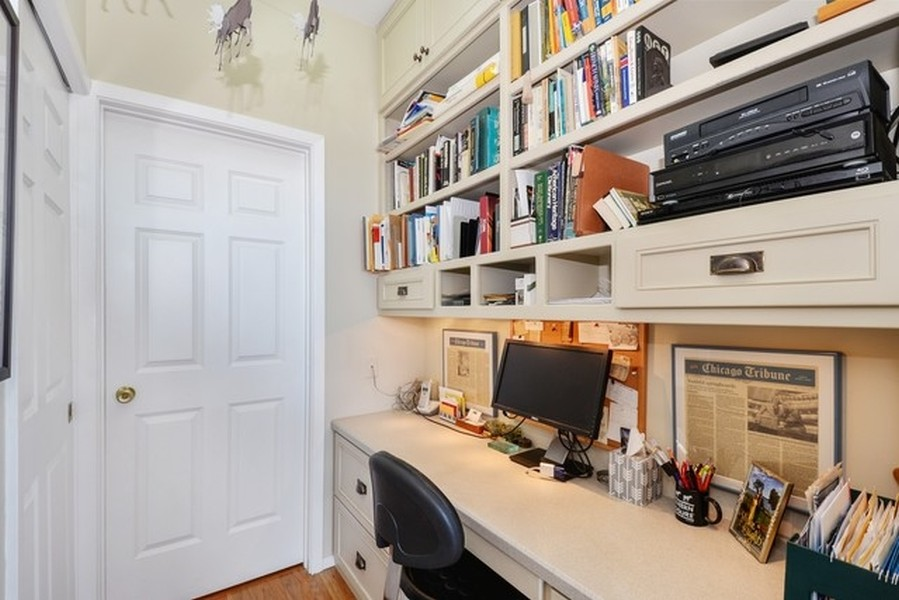 Real Estate Photography - 330 S Michigan Ave, Unit 1906, Chicago, IL, 60604 - Office in 2nd Bedroom