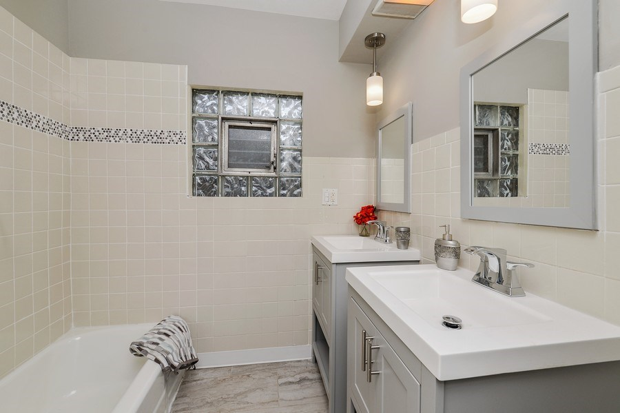 Real Estate Photography - 1753 W Devon, Chicago, IL, 60660 - Bathroom