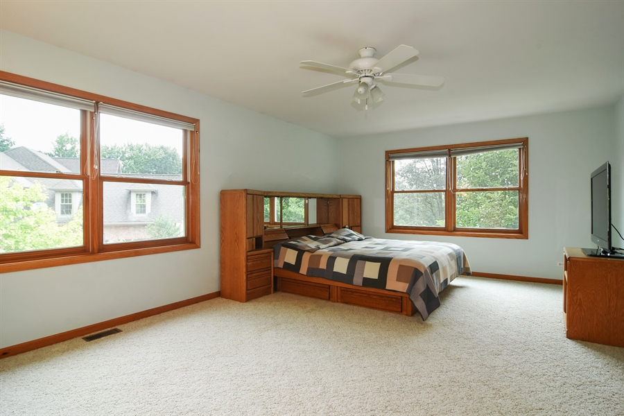 Real Estate Photography - 289 Lions Ct, Lake Zurich, IL, 60047 - Master Bedroom