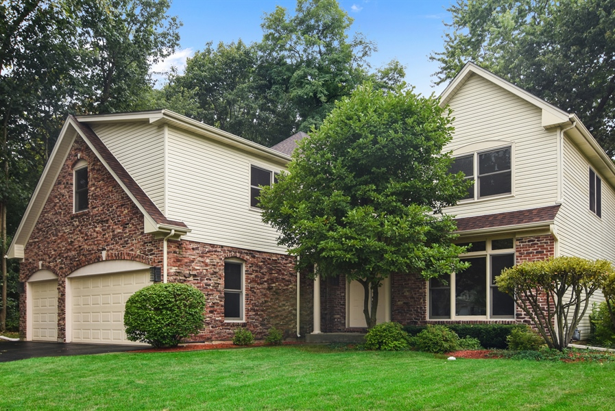Real Estate Photography - 289 Lions Ct, Lake Zurich, IL, 60047 - Front View