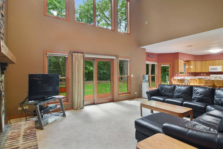Real Estate Photography - 289 Lions Ct, Lake Zurich, IL, 60047 - Family Room / Kitchen