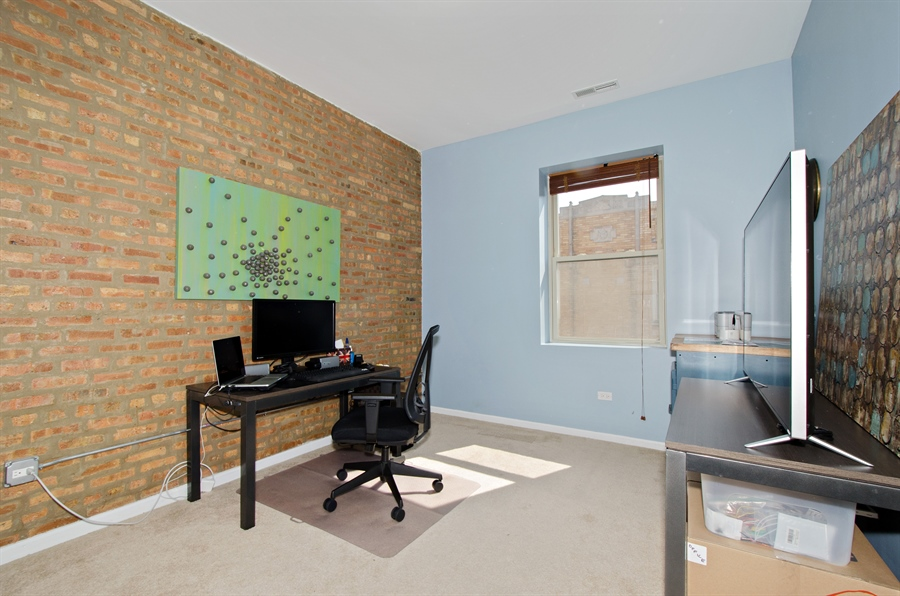 Real Estate Photography - 1641 W. Farwell Ave., 3S, Chicago, IL, 60626 - 2nd Bedroom
