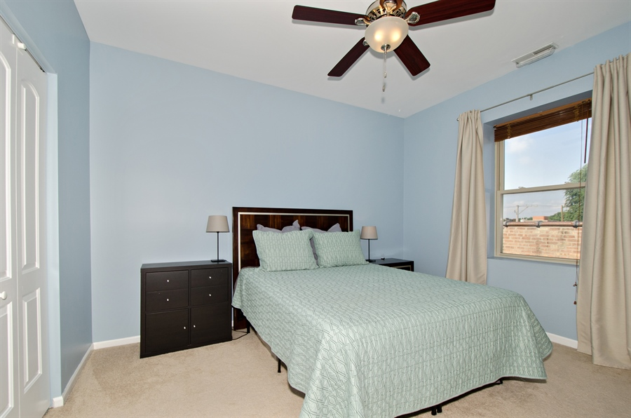 Real Estate Photography - 1641 W. Farwell Ave., 3S, Chicago, IL, 60626 - Bedroom
