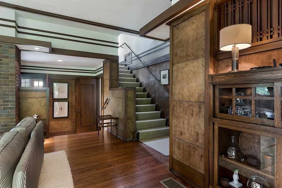 Real Estate Photography - 621 Warwick, Kenilworth, IL, 60043 - Foyer