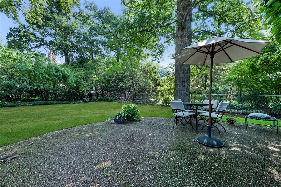 Real Estate Photography - 621 Warwick, Kenilworth, IL, 60043 - Patio