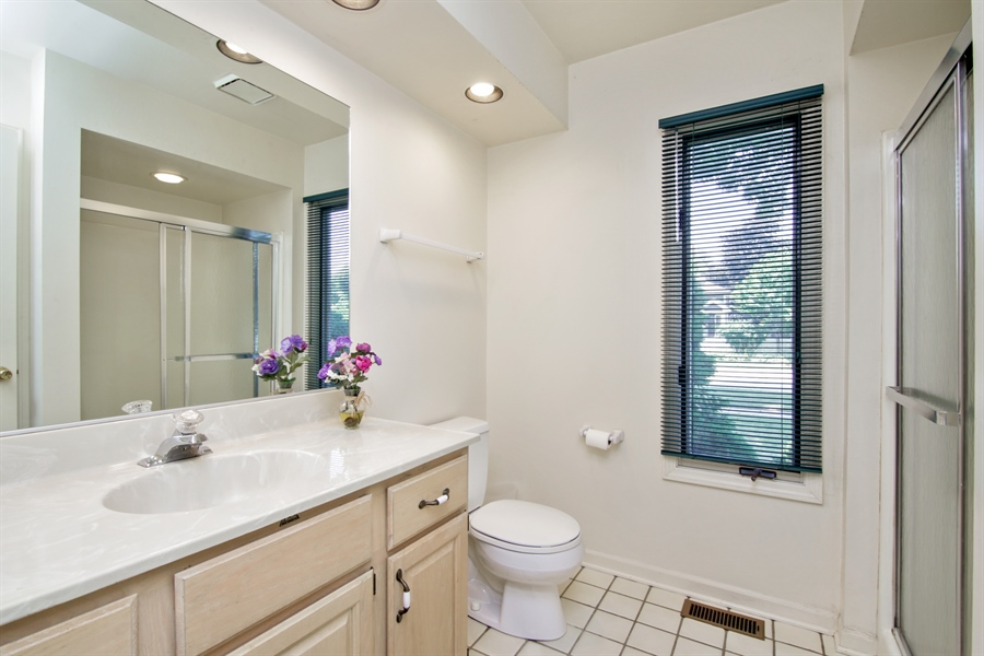 Real Estate Photography - 603 N Hickory Ave, Arlington Heights, IL, 60004 - Master Bathroom