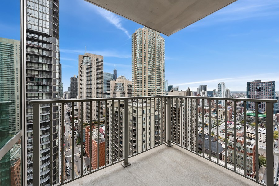 Real Estate Photography - 2 E Erie, 3005, Chicago, IL, 60611 - Terrace