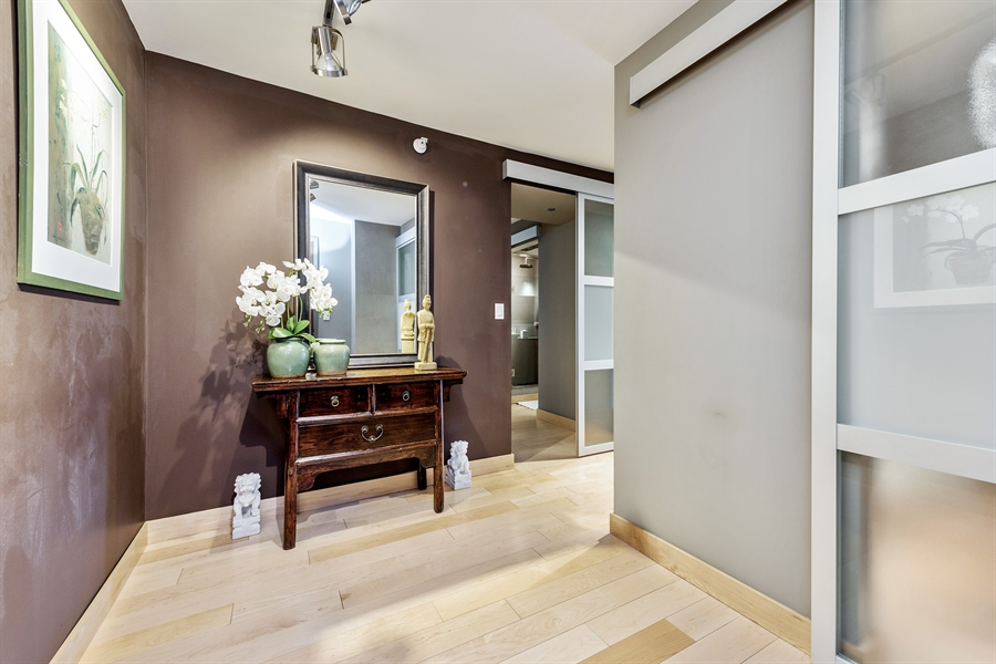 Real Estate Photography - 2 E Erie, 3005, Chicago, IL, 60611 - Foyer