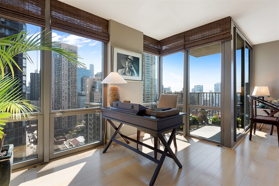 Real Estate Photography - 2 E Erie, 3005, Chicago, IL, 60611 - Office