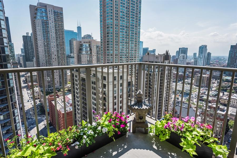 Real Estate Photography - 2 E Erie, 3005, Chicago, IL, 60611 - Balcony