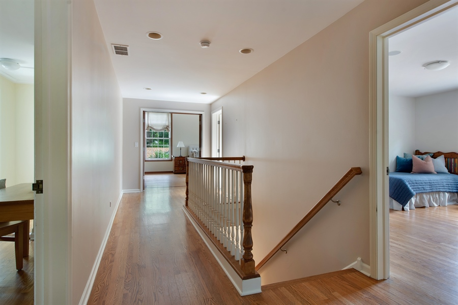 Real Estate Photography - 3004 Indianwood Rd, Wilmette, IL, 60091 - 2nd Floor Corridor