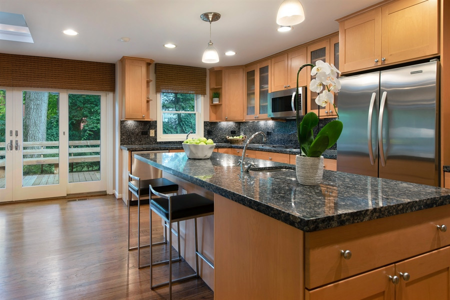 Real Estate Photography - 3004 Indianwood Rd, Wilmette, IL, 60091 - Kitchen