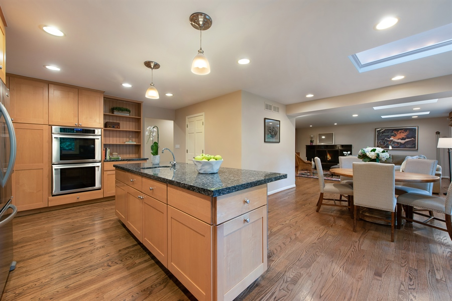 Real Estate Photography - 3004 Indianwood Rd, Wilmette, IL, 60091 - Kitchen / Breakfast Room