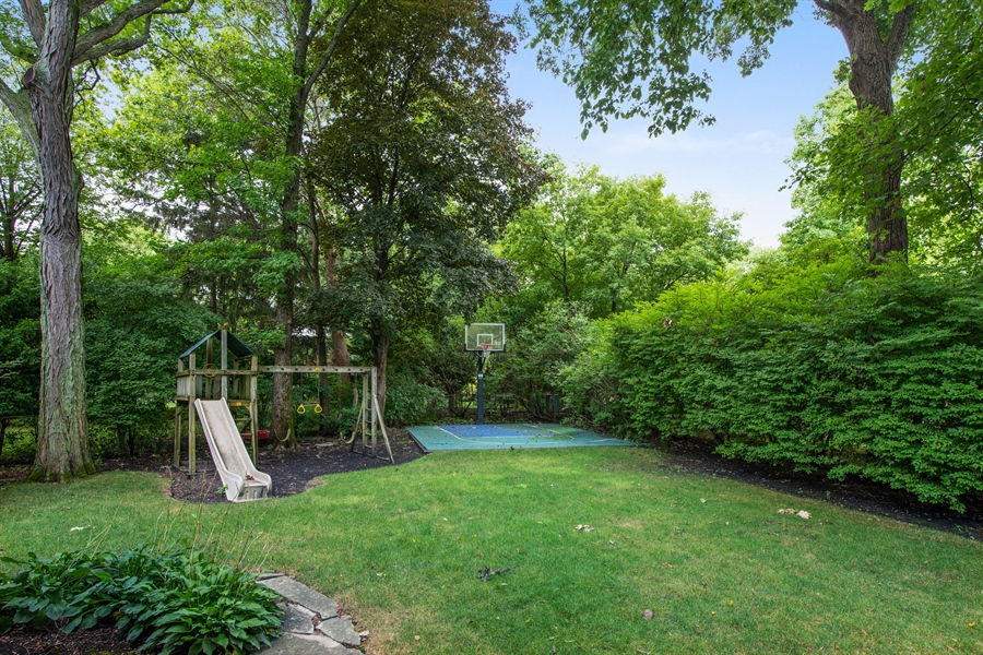 Real Estate Photography - 3004 Indianwood Rd, Wilmette, IL, 60091 - Back Yard
