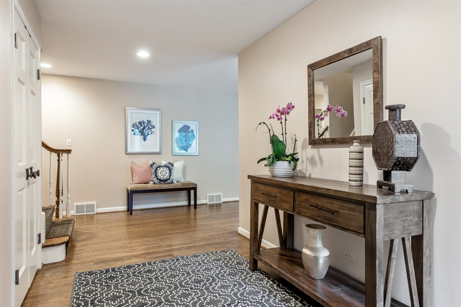 Real Estate Photography - 3004 Indianwood Rd, Wilmette, IL, 60091 - Foyer