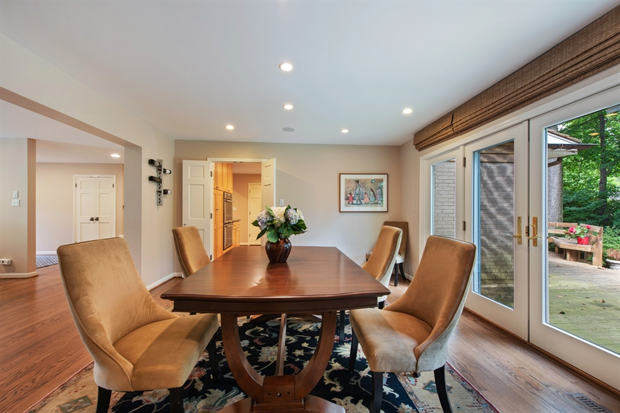 Real Estate Photography - 3004 Indianwood Rd, Wilmette, IL, 60091 - Dining Area