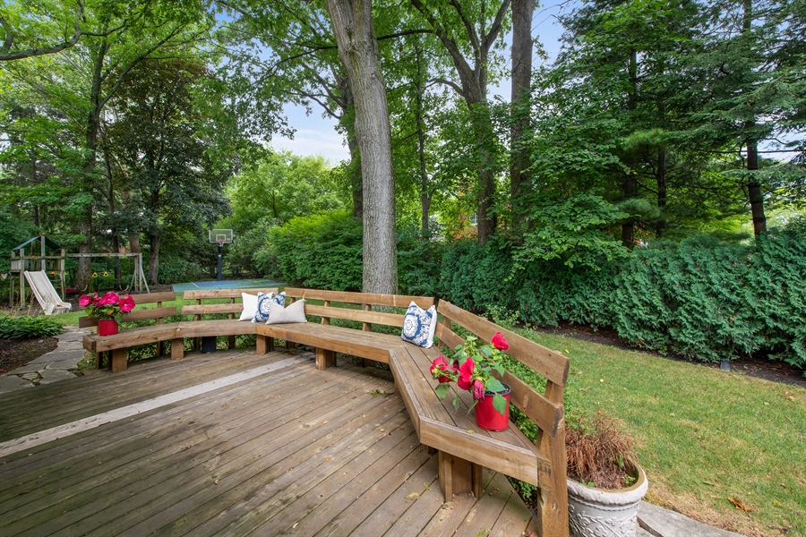 Real Estate Photography - 3004 Indianwood Rd, Wilmette, IL, 60091 - Deck