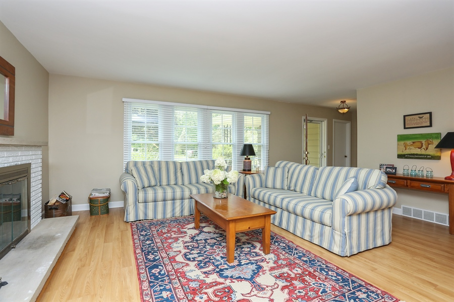 Real Estate Photography - 6713 Parkway Dr, sawyer, MI, 49125 - Living Room