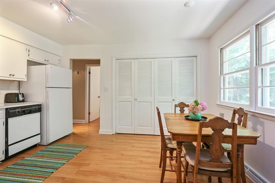 Real Estate Photography - 6713 Parkway Dr, sawyer, MI, 49125 - Kitchen
