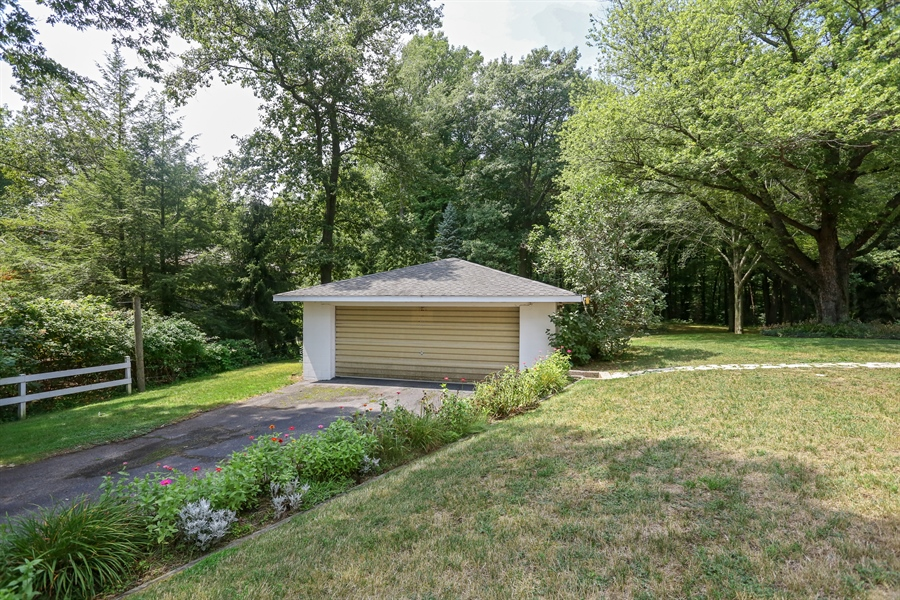 Real Estate Photography - 15206 Lakeside Rd, Lakeside, MI, 49116 - Front Yard