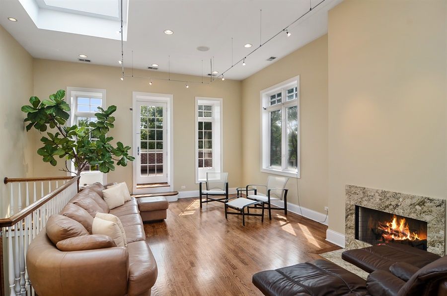 Real Estate Photography - 2226 N. Magnolia, Chicago, IL, 60614 - Fourth Floor - Family Room - Two Roof Decks