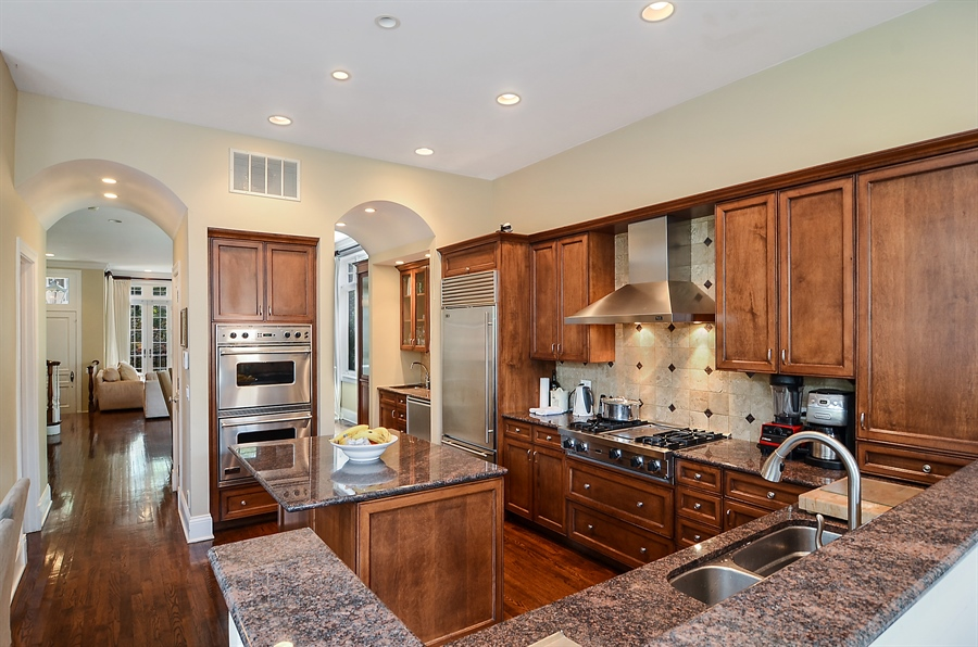 Real Estate Photography - 2226 N. Magnolia, Chicago, IL, 60614 - Chef's Kitchen
