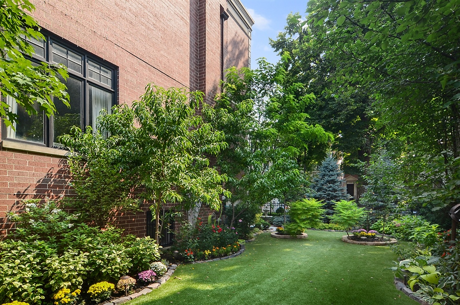 Real Estate Photography - 2226 N. Magnolia, Chicago, IL, 60614 - Side Yard - Professionally Landscaped