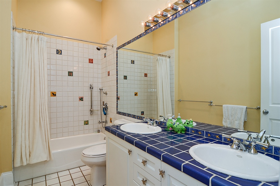 Real Estate Photography - 2226 N. Magnolia, Chicago, IL, 60614 - Second Bathroom - Second Floor