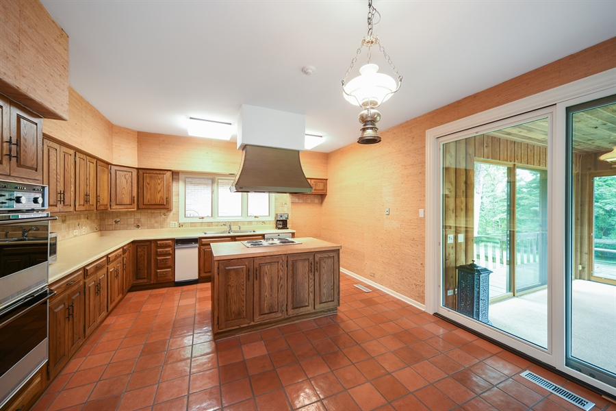 Real Estate Photography - 21727 N Hickory Hill Dr, Kildeer, IL, 60047 - Kitchen